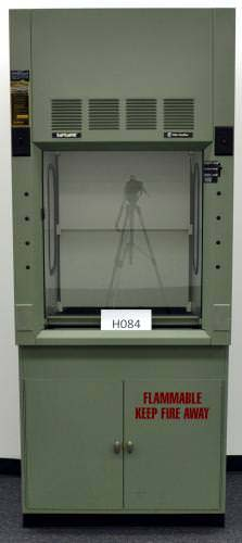 3′ FISHER HAMILTON SAFEAIRE FUME HOOD & BASE CABS (H084)