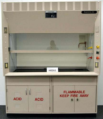 6′ KEWAUNEE SUPREME AIR FUME HOOD WITH BASE CABINETS H261
