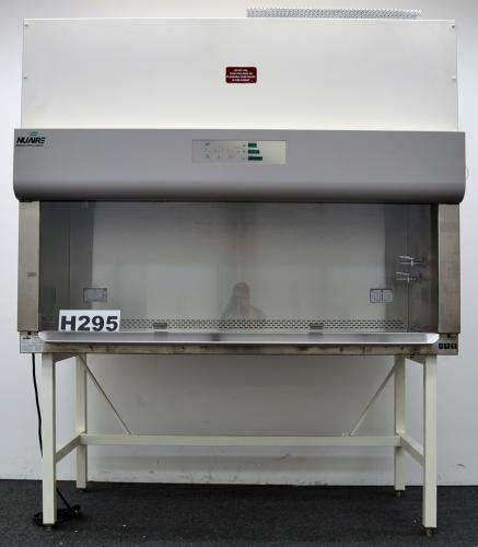 6.5′ NUAIRE BIOLOGICAL FUME HOOD WITH BASE STAND H295