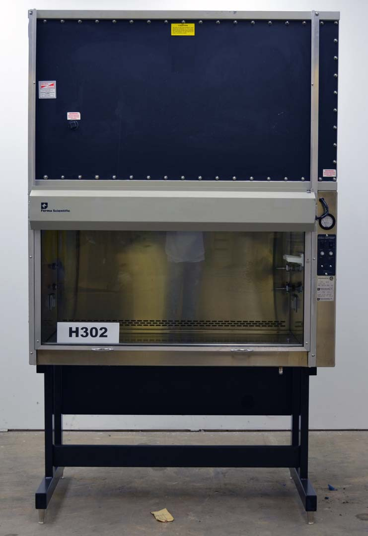 "54"" FORMA SCIENTIFIC LABORATORY BIOLOGICAL BIOSAFETY FUME HOOD H302"